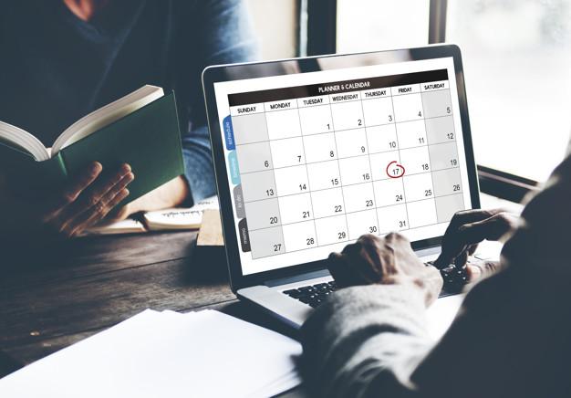 És obligatori incloure les pauses en el registre horari? I el temps de desplaçament?