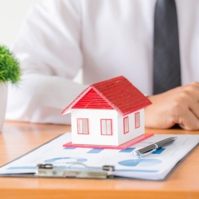 La cesión de uso de forma gratuita de un inmueble a un familiar genera una imputación de rentas en el propietario